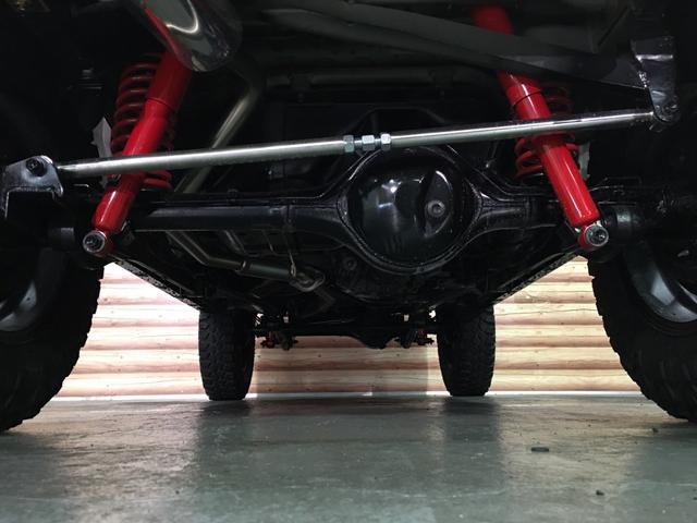 ランドベンチャー 2インチリフトアップ ブラックアウトカスタム ルーフラック BratX02ホイール マキシス新品タイヤ Bratリアウィング パナソニックSDナビ LEDテールランプ シートヒーター FARMマフラー(52枚目)