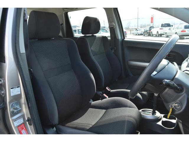 トヨタ イスト 1.5F 4WD スタッドレスタイヤ