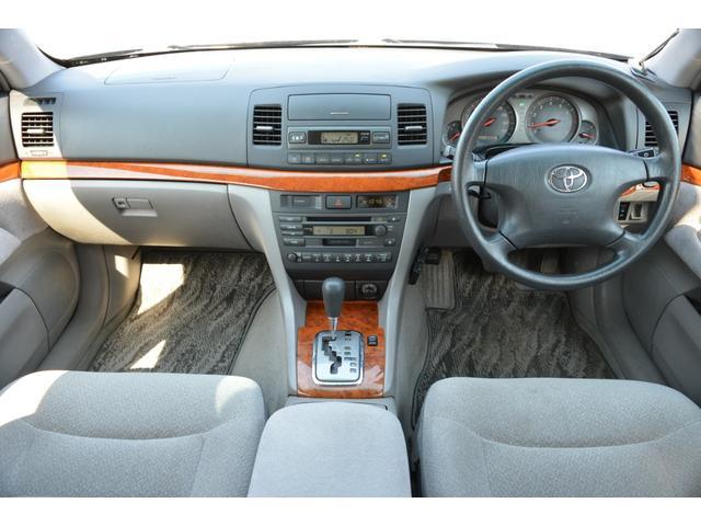 グランデFour Sパッケージ 4WD スタッドレスタイヤ(4枚目)