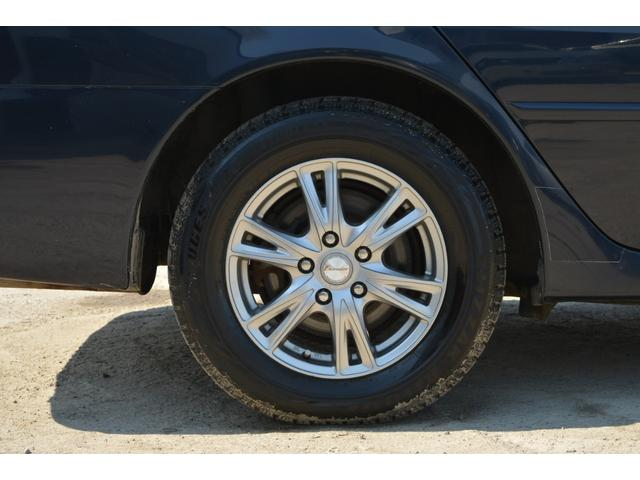 グランデFour Sパッケージ 4WD スタッドレスタイヤ(18枚目)