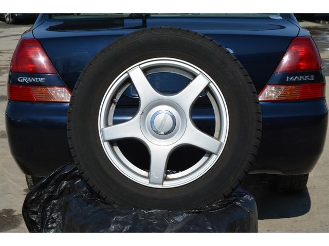 グランデFour Sパッケージ 4WD スタッドレスタイヤ(19枚目)