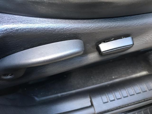 リミテッド 4WD リフトアップ 20インチAW 革シート(17枚目)