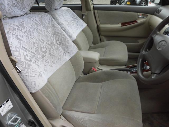 運転席シートもほとんど傷みやスレ嫌な臭いも無くとても良好な状態です。