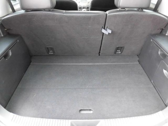 内装・座席・トランク部分も当然、綺麗・清潔に仕上げております。内装の綺麗なお車は気持ちが良いですし、コンディションのいい車が多いです。前のユーザーが丁寧に使っていた証拠です。