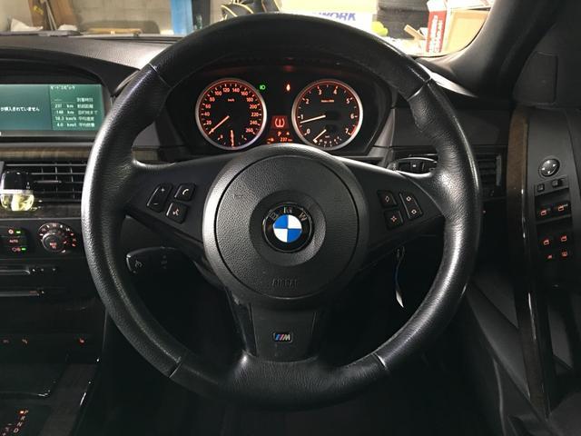 BMW BMW 550i Mスポーツパッケージ 黒本革シート サンルーフ