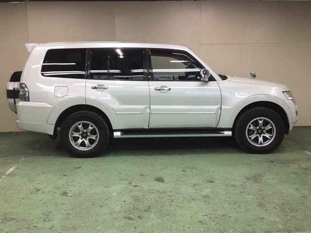 ロング スーパーエクシード Dターボ 4WD 純正ナビ(8枚目)
