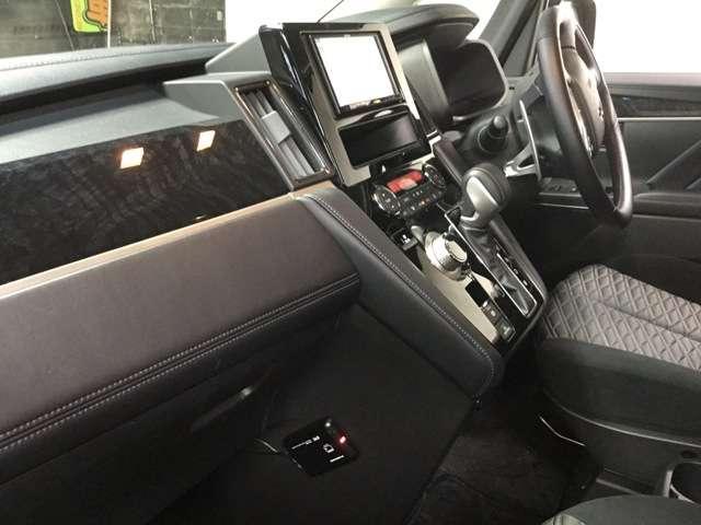 アーバンギア 2.2 G ディーゼルターボ 4WD(19枚目)