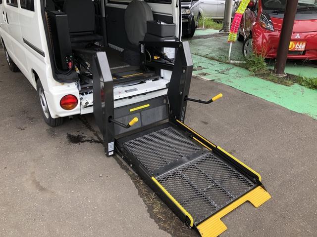 福祉車 車いす仕様車 テールゲートリフト式 4WD(12枚目)