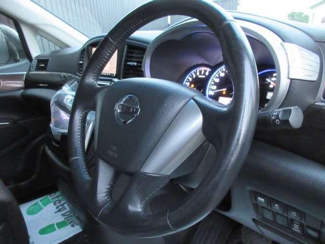 250ハイウェイスター 4WD ワンオーナー HDDナビ(4枚目)