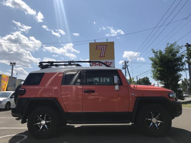 カラーパッケージ革シートETCナビTVワンオーナー4WD(3枚目)