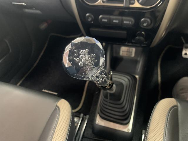 ランドベンチャー 特別仕様車マニュアルキーレスカーナビバックカメラ地デジテレビワンオーナー純正アルミホイール4WD(12枚目)