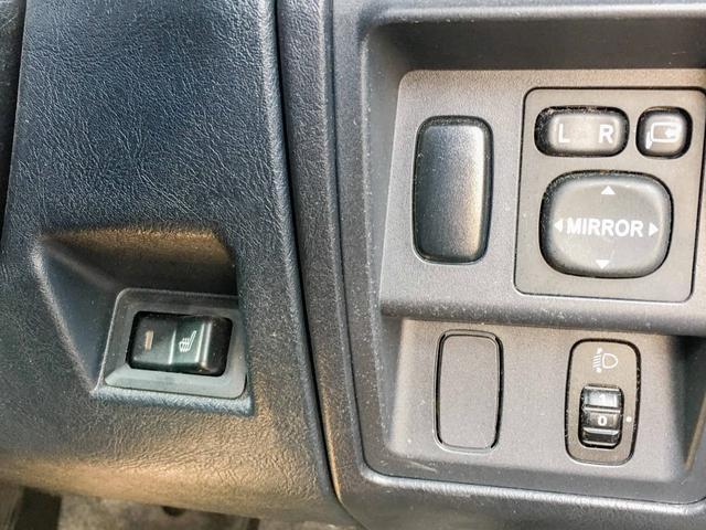 VR 4WD 1年保証 夏冬タイヤ ナビTV シートヒーター(9枚目)