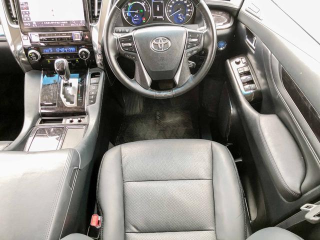運転席の革の状態も綺麗に保たれています。