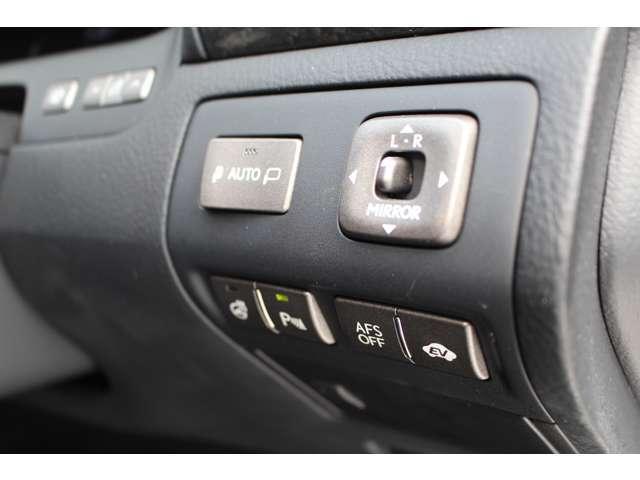 LS600hL 4WD セキュリティカメラ サンルーフ CD(8枚目)