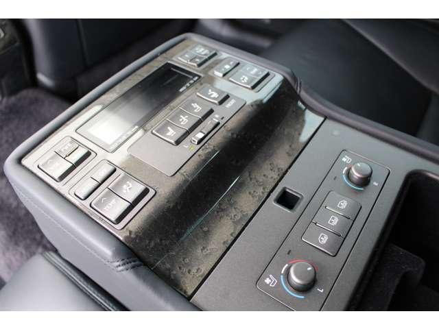 LS600hL 4WD セキュリティカメラ サンルーフ CD(19枚目)