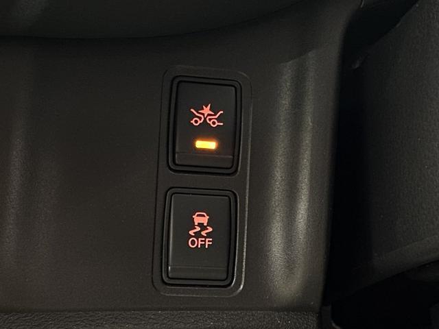 カーブを曲がるときに外側へのふくらみ、内側への巻き込みを防ぎ、安定した走行をサポートするシステムです。特に北海道のお客様にはうれしい装備になります。