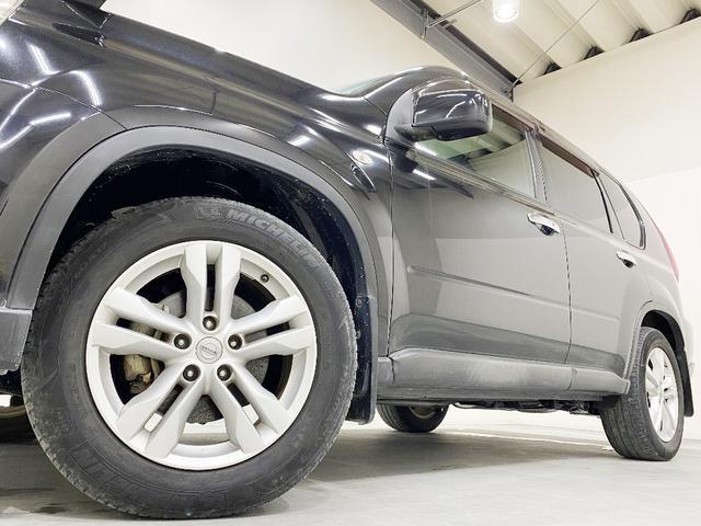 ホイルは18インチアルミホイルになります。タイヤは夏冬セットでお付けしますので、余計な出費もかさまず安心です。タイヤサイズ225-60-18。