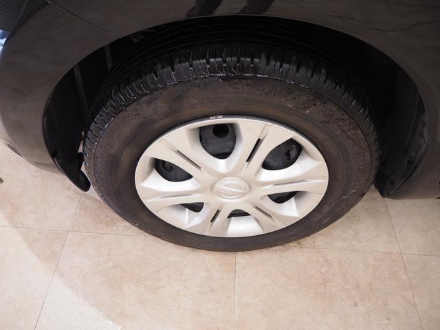ホイルは14インチアルミホイルになります。タイヤは夏冬セットでお付けしますので、余計な出費もかさまず安心です。タイヤサイズ185-70-14。