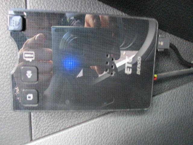 2.5iアイサイト 4WD 社外ナビ・TV・CD・DVD バックカメラ ETC パワーシート スマートキー プッシュスタート クルーズコントロール SI-DRIVE 横滑り防止(22枚目)