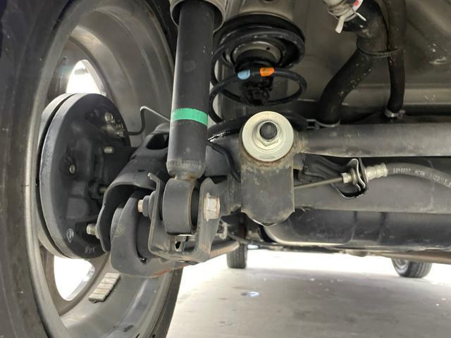 ベースグレード 4WD 禁煙 ターボ シートヒーター レーダーブレーキサポート 横滑り防止装置 アイドリングストップ プッシュスタート 電動格納ミラー HIDオートライト フォグランプ 純正オーディオ USB(35枚目)
