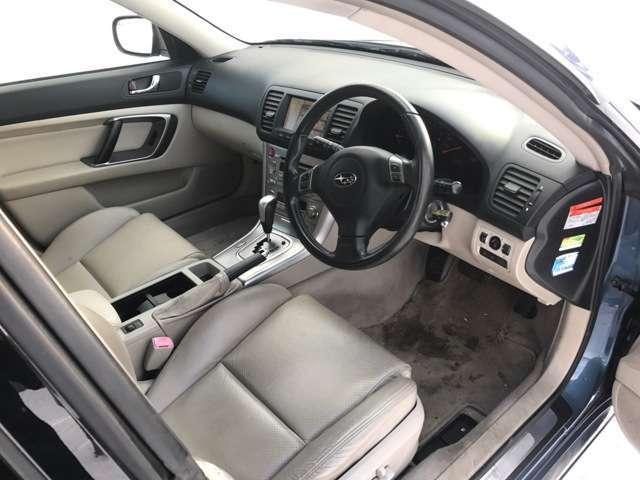 3.0R 4WD・ナビ付・ETC・パワーシート・キーレス(14枚目)
