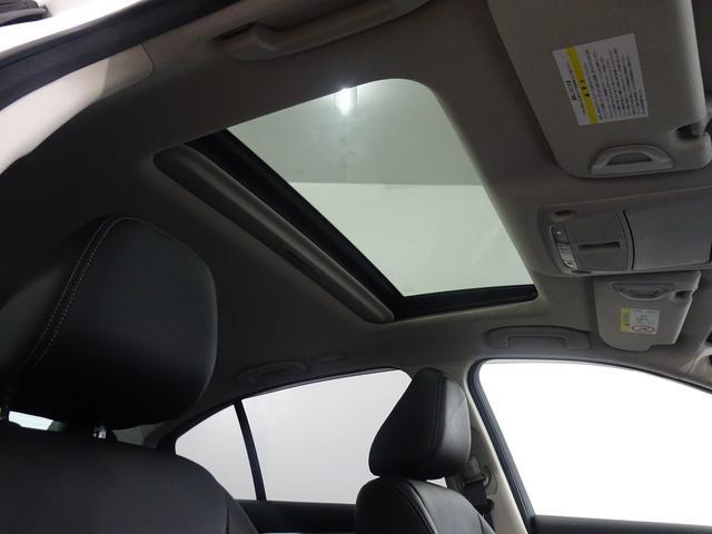 サンルーフ/本革/360度カメラ/エマジェンブレーキ/4WD(19枚目)