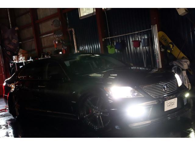 LS600hL後席セパレートPKG本州仕入x社外4連マフラー(3枚目)
