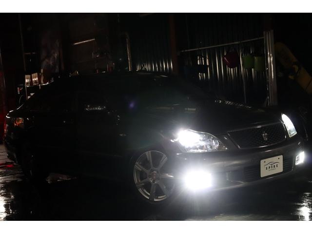 アスリートi-Four4WDx黒革xローダウンx4灯HID(3枚目)