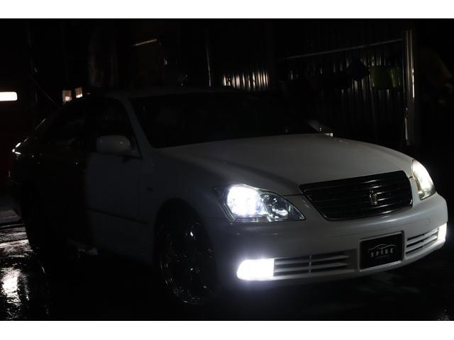 ロイヤルサルーンi-Four Sパッケージ4WDx4灯HID(3枚目)