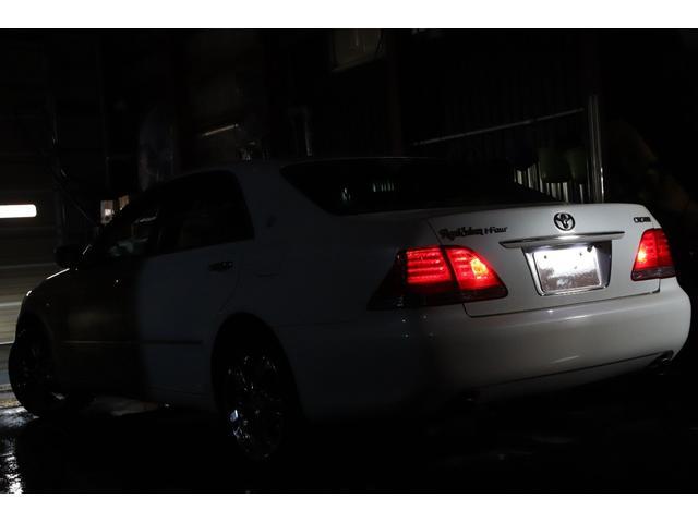 ロイヤルサルーンi-Four Sパッケージ4WDx4灯HID(4枚目)