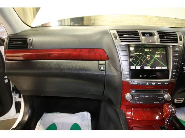 LS600hバージョンSIパッケージ4WDクレンツェ21AW 社外サスコン HDDナビ CD DVDチェンジャー フルセグTV バックカメラ スマートキー ETC USB ミュージックサーバー ブルートゥース パワートランク エアシート ステアリングヒーター(70枚目)
