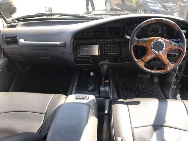 VXリミテッド 4WD ディーゼルターボ サンルーフ(10枚目)