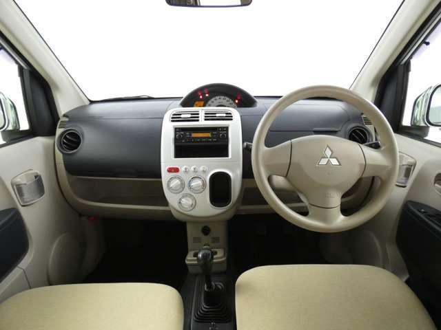 M 5速マニュアル車/運転席シートヒーター/CDオーディオ/ベンチシート/ベージュ内装/4WD/キーレスエントリー(3枚目)