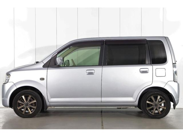 M 5速マニュアル車/運転席シートヒーター/CDオーディオ/ベンチシート/ベージュ内装/4WD/キーレスエントリー(5枚目)