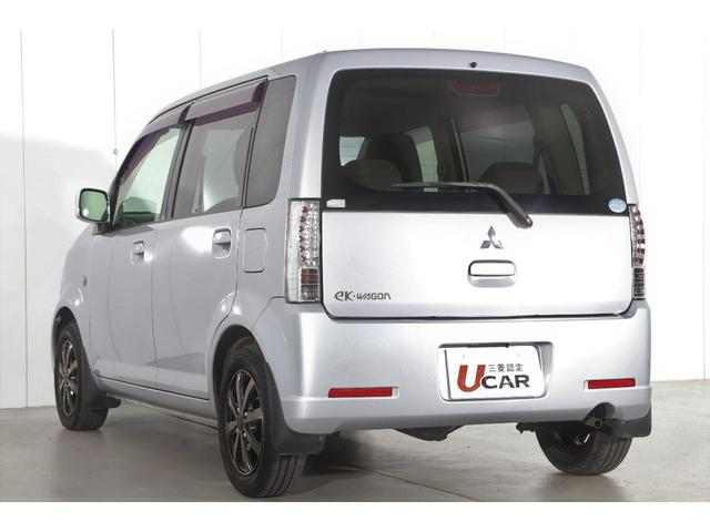 M 5速マニュアル車/運転席シートヒーター/CDオーディオ/ベンチシート/ベージュ内装/4WD/キーレスエントリー(6枚目)