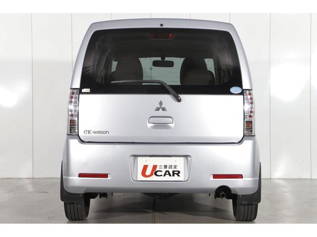 M 5速マニュアル車/運転席シートヒーター/CDオーディオ/ベンチシート/ベージュ内装/4WD/キーレスエントリー(7枚目)