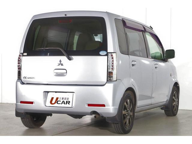 M 5速マニュアル車/運転席シートヒーター/CDオーディオ/ベンチシート/ベージュ内装/4WD/キーレスエントリー(8枚目)