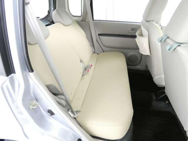 M 5速マニュアル車/運転席シートヒーター/CDオーディオ/ベンチシート/ベージュ内装/4WD/キーレスエントリー(13枚目)