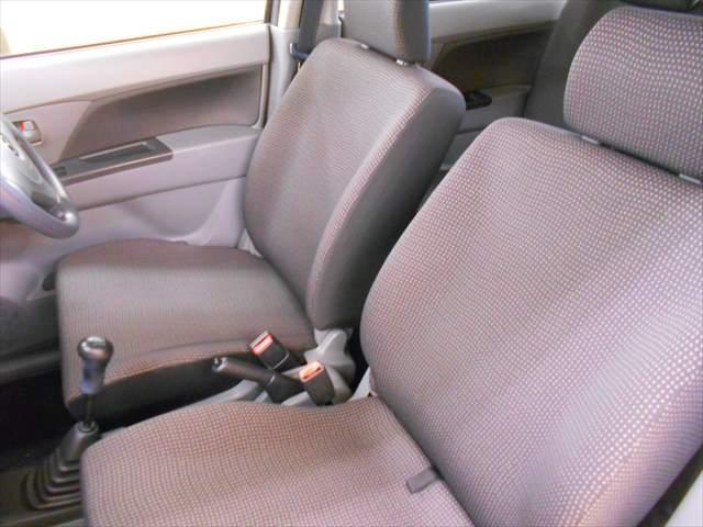 ゆったり座れるフロントシート!