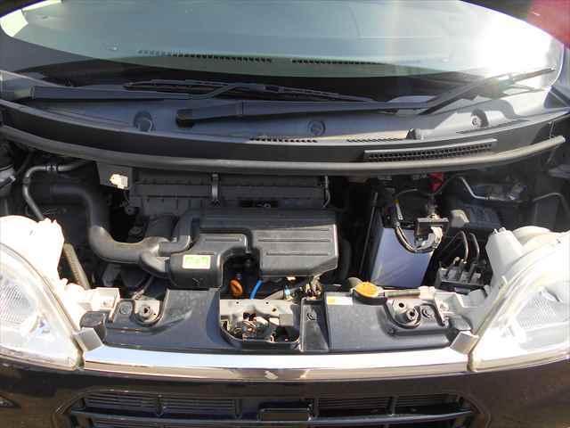 きれいなエンジンです。前オーナーが大事に使っていた感じがします。