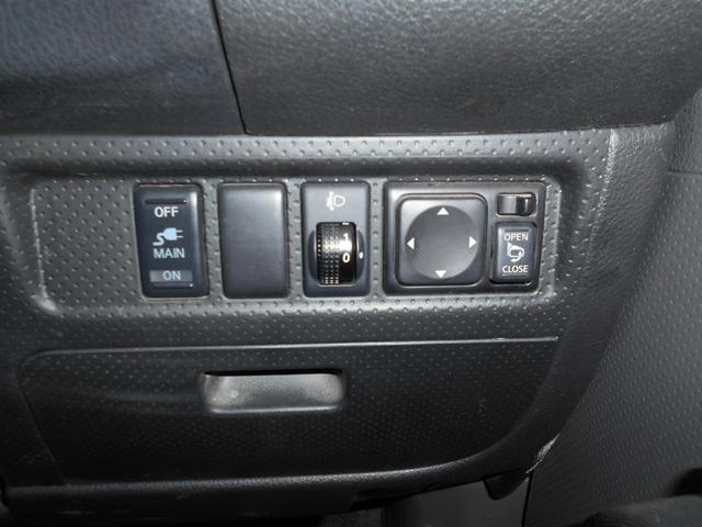 VE 4WD/タイベルチェーン/4ナンバー貨物車/衝突安全ボディ/ABS/運転席パワーウィンドウ/AC100V電源/電動格納ミラー/ライトレベライザー/キーレス/(12枚目)