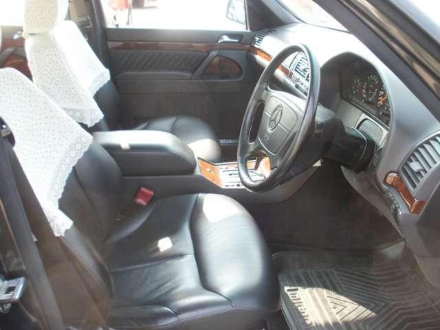 400SEL ディーラー車・黒革シート(12枚目)