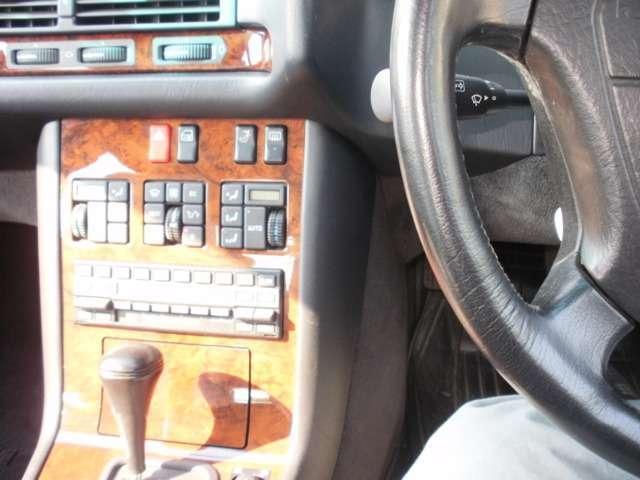 400SEL ディーラー車・黒革シート(14枚目)