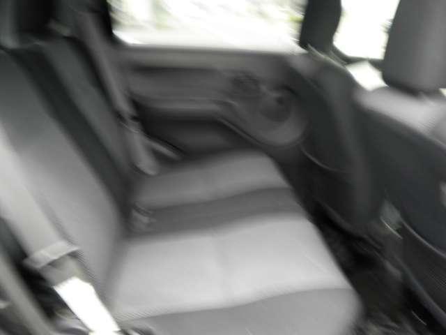 カスタム メモリアルエディション 4WD ターボ ローダウン(3枚目)