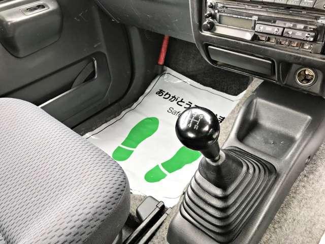 4WD XGサビ無しマニュアル5速(4枚目)