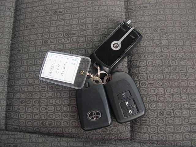 「トヨタ」「スペイド」「ミニバン・ワンボックス」「北海道」の中古車27