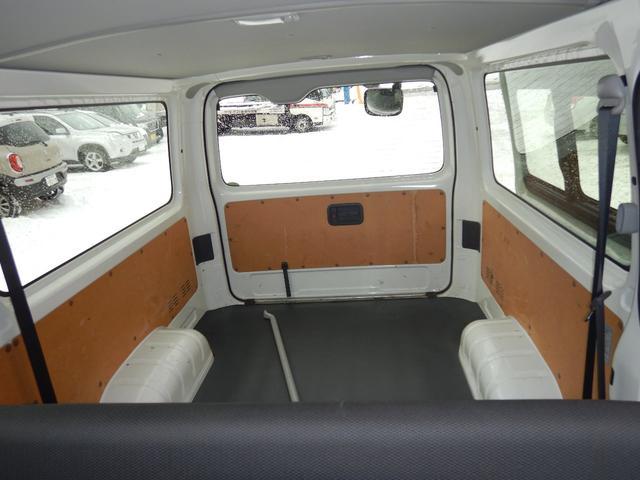 DX 6人 4ドア 4WD 寒冷地仕様 社外メッキミラー フロントバンパー・リヤバンパーホワイト塗装(8枚目)