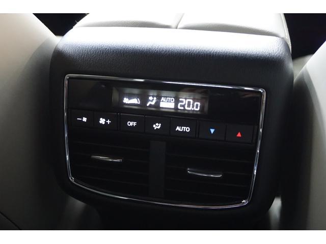XD Lパッケージ 4WD/外20AW/外4本出しマフラー/外エアロ/Pバックドア/全方位カメラ/革シート/シートヒーター/アルパインフリップダウンモニター/BOSEサウンドシステム/フルセグ/ETC/ディーゼル車(32枚目)