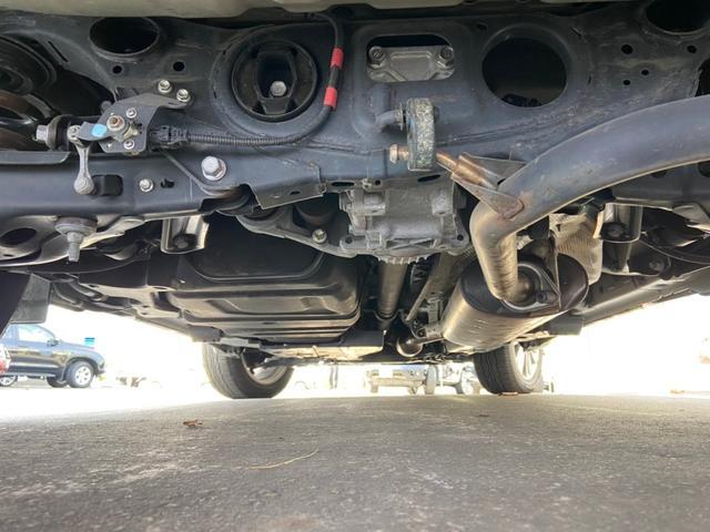 プレミアム アドバンスドパッケージ 4WD・禁煙・衝突被害軽減システム・メーカーオプション9インチSDナビ・フルセグTV・Bluetooth・アラウンドビューモニター・レーダークルーズコントロール・パワーバックドア・コーナーセンサー(3枚目)