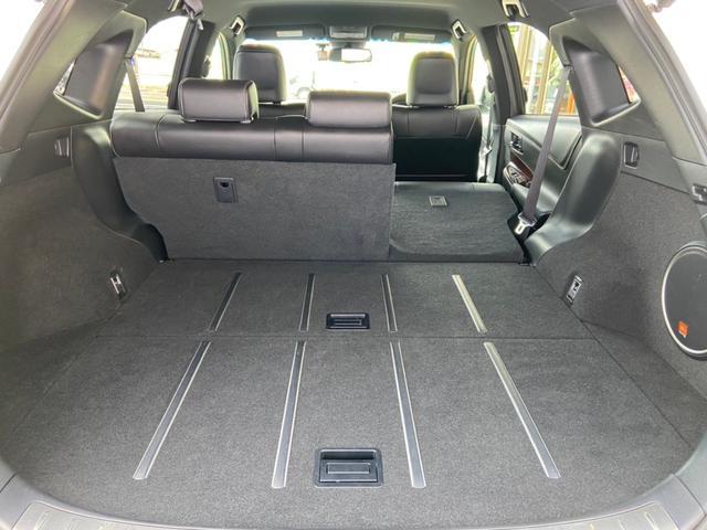 プレミアム アドバンスドパッケージ 4WD・禁煙・衝突被害軽減システム・メーカーオプション9インチSDナビ・フルセグTV・Bluetooth・アラウンドビューモニター・レーダークルーズコントロール・パワーバックドア・コーナーセンサー(18枚目)